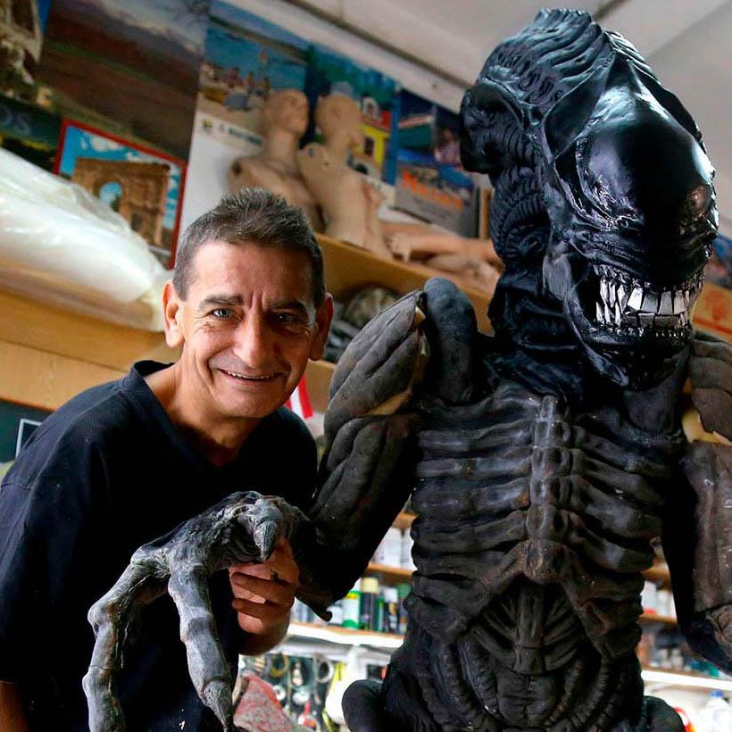 Alien Costume 7